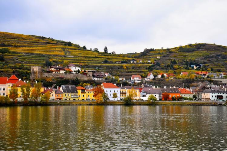 Stein an der Donau im Herbst